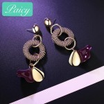 Web Celebrity Goes With Classic And Simple Long Earrings